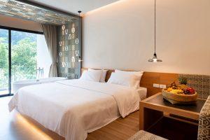 Zimmer mit Blick auf eine traumhafte Felskulisse im ANANA Ecological Resort